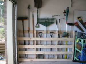 storage ideas - pallet-garages-upcycling