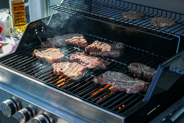 grilling with propane heating